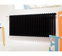 Стальной радиатор Irsap Tesi 3-трубчатый 565мм высота, боковое подключение (T30), чёрный RAL 9005