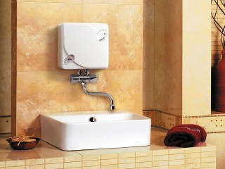 Какой водонагреватель лучше - проточный или накопительный